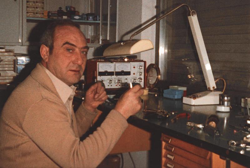 Historisches - Gerhard Dederichs in seiner Werkstatt